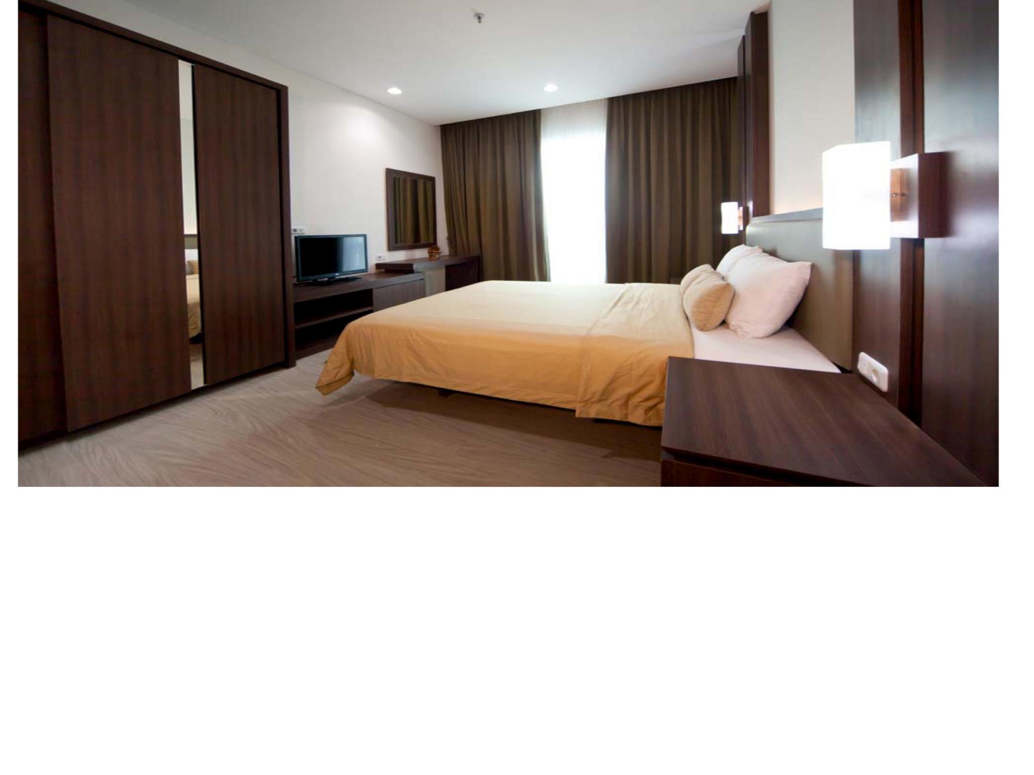 3 BR Pejaten Indah Apartment Room 04