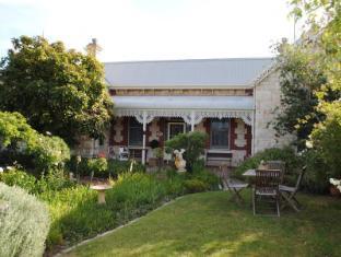 /eastcliff-cottage-bed-breakfast/hotel/mornington-peninsula-au.html?asq=jGXBHFvRg5Z51Emf%2fbXG4w%3d%3d