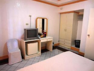 Estaca Bay Resort Compostela - Deluxe Room