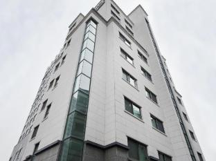 Cloud 9 Serviced Residence