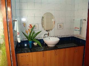 picture 2 of Thalatta Resort
