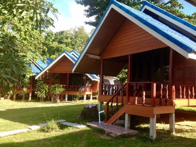 ลิบง ซันเซ็ต รีสอร์ต – Libong Sunset Resort