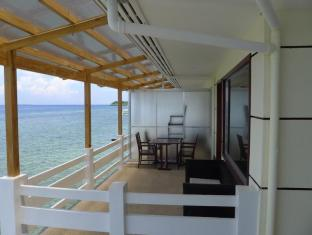 BlueFins Resort Mactan Island - Balkong/terrass