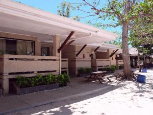 BlueFins Resort Mactan Island - בית המלון מבחוץ