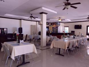 BlueFins Resort Mactan Island - Restaurant