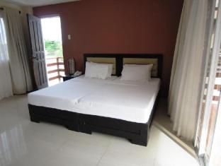 Papa Kit's Marina Resort Liloan - Guest Room