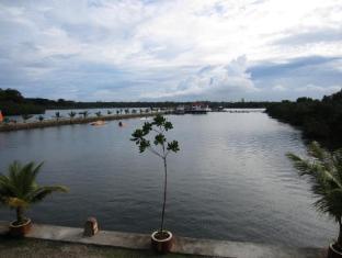 Papa Kit's Marina Resort Liloan - View