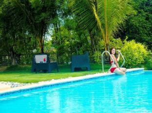 Papa Kit's Marina Resort Liloan - Swimming Pool