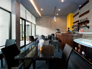 Blue Sky Patong Hotel Phuket - Refreshment Corner Bar