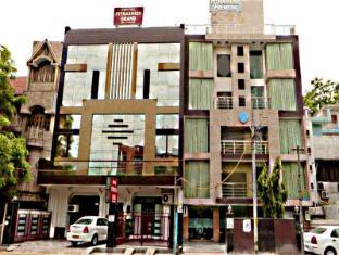 Hotel Pitrashish Premium & Grand