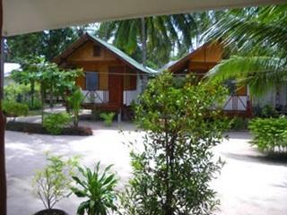 Phangan Villa (Phangan Villa Beach Bungalow) พะงัน วิลลา