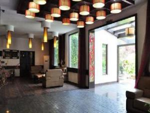 Tonglu Lai Yue Hotel