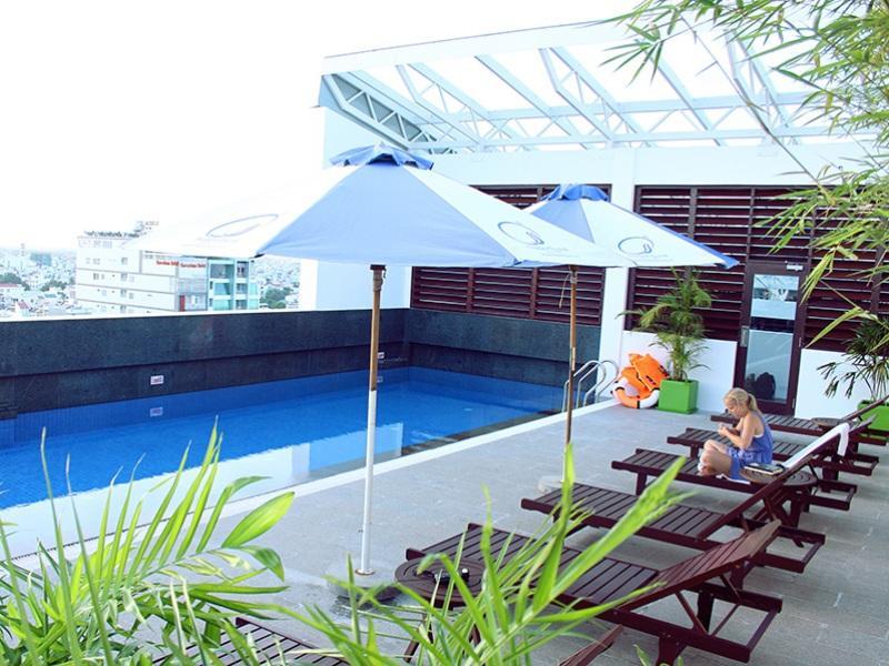 Nhi Phi Hotel Nha Trang