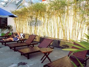 Khách sạn Nhi Phi