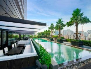 홀리데이 인 방콕 수쿰윗 방콕 - 수영장
