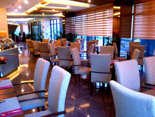 56 Hotel Kuching - Cafetería