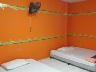 Sukumvit Backpacker Phuket - Triple Fan Room