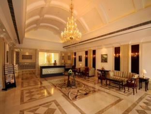 Country Inn & Suites By Carlson, Satbari New Delhi - Lobby