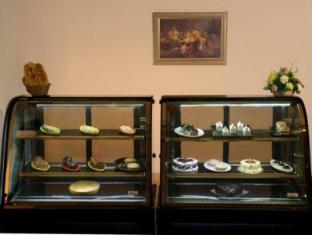 Country Inn & Suites By Carlson, Satbari New Delhi - Buffet