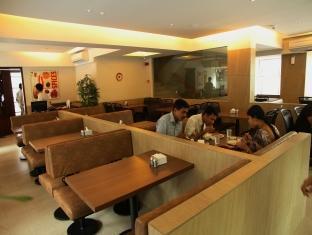 Sai Palace Inn Mumbai - Gopal Krishna Restaurant