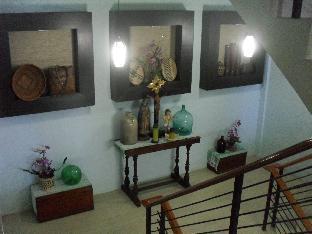 picture 4 of Cordillera Family Inn