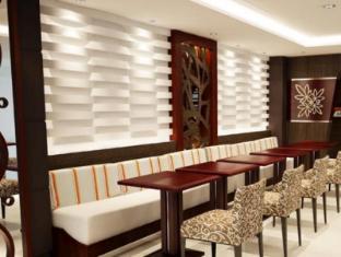 فندق سومرست سورابيا سورابايا - المطعم