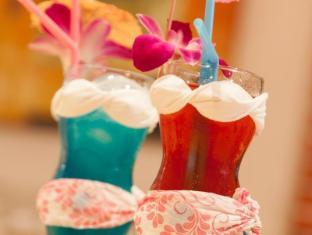 Karon Sunshine Guesthouse & Bar Phuket - Food and Beverages