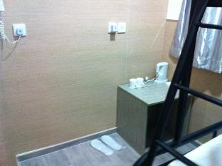 Motel Double Yield Hong Kong - Triple - Room Amenities