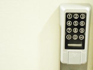 Motel Double Yield Hong Kong - Room Door Lock