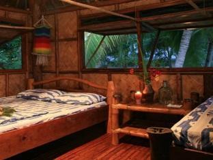 picture 3 of Sangat Island Dive Resort