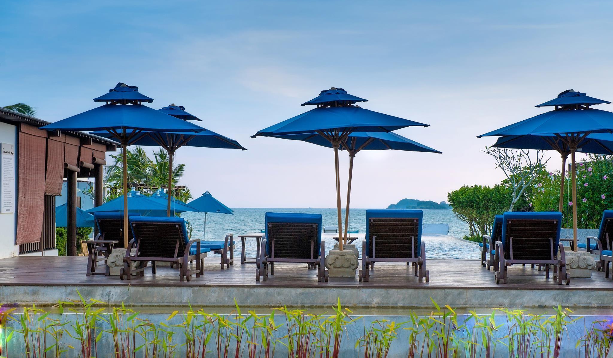 The Oriental Beach Resort ดิ โอเรียนทอล บีช รีสอร์ท