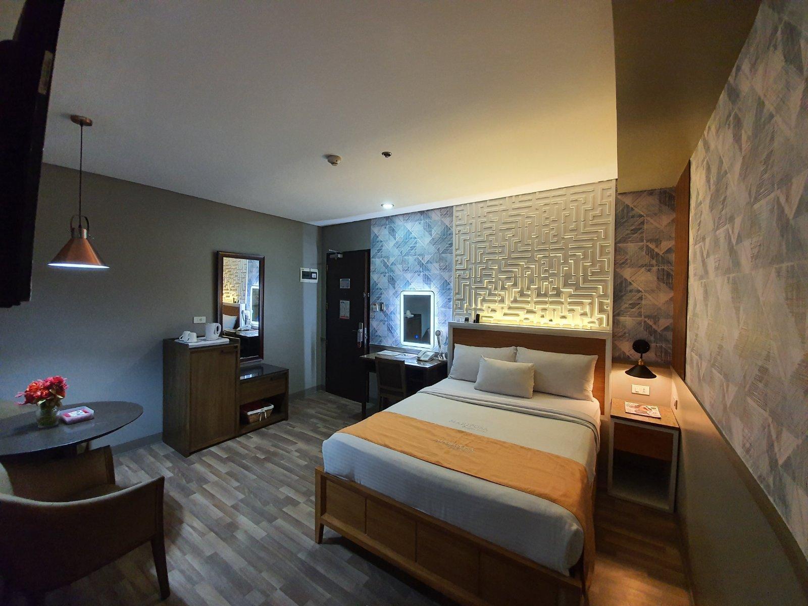 MODA Mariposa Budget Hotel   Anonas