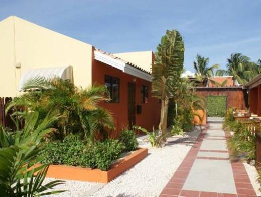 Carinas Studio Apartments