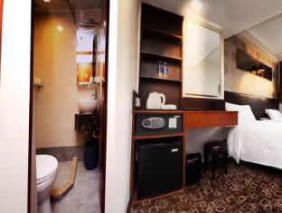 Lander Hotel Prince Edward Hong Kong - Twin