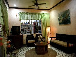 picture 3 of La Casa Roa Hostel