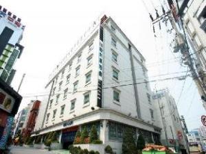 White Castle Hotel