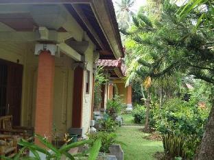 Perama Cottages & Restaurant