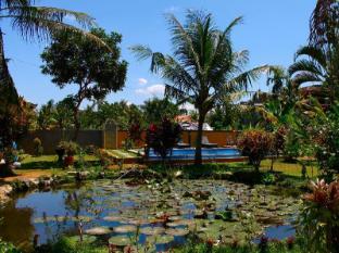 Swan Inn באלי - גינה