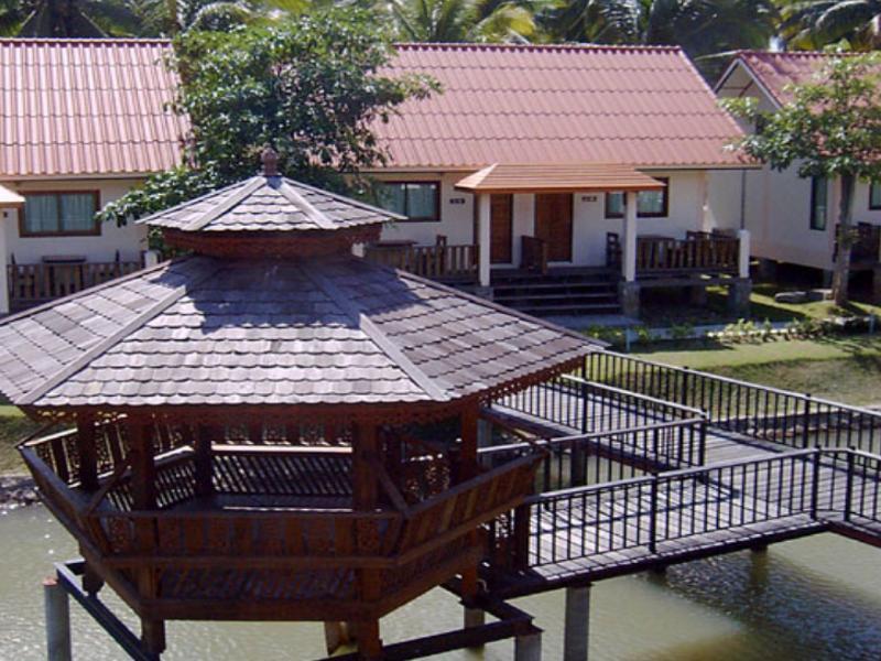 Naku Resort