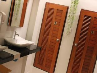 Mam Hostel Phuket - Bathroom