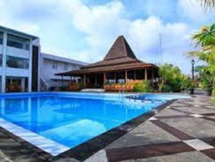 /fi-fi/prasanthi-gambir-anom-hotel-and-villa/hotel/solo-surakarta-id.html?asq=vrkGgIUsL%2bbahMd1T3QaFc8vtOD6pz9C2Mlrix6aGww%3d
