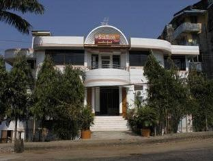 Stallion Hotel