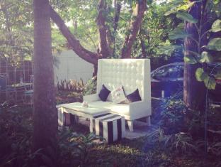 The Tamarind Hotel North Goa - Garden