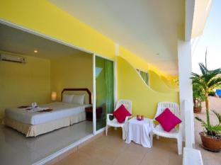 Phuket Airport Sonwa Resort Phuket - Balcony/Terrace