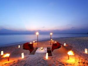 Tentang Centara Ras Fushi Resort & Spa Maldives (Centara Ras Fushi Resort & Spa Maldives)