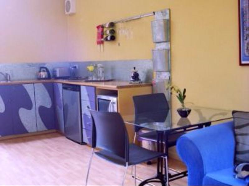 Reviews Studio Q Apartments