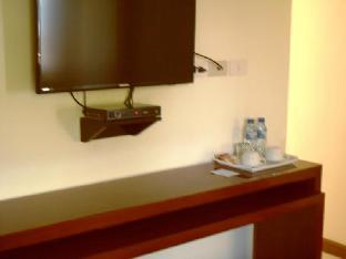 picture 3 of Palawan Palm Suites