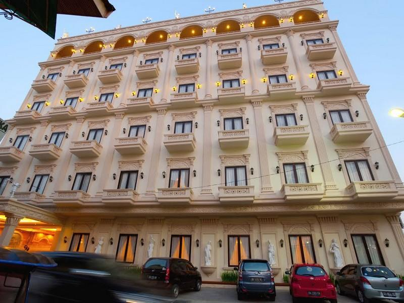 Hotel Grand Town