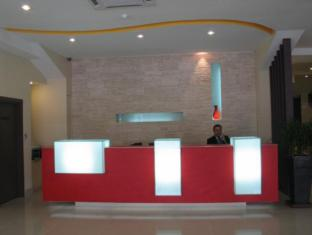 360 Xpress Citycenter Budget Boutique Hotel Kuching - recepcija