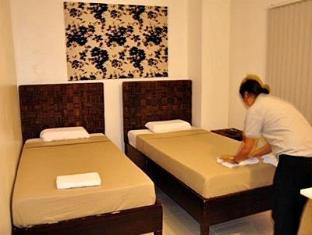 R Suites & Cafe Mandaue City - Guest Room